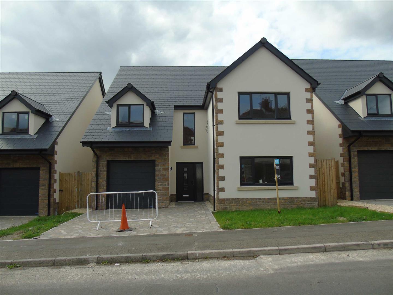 Bronallt Road, Hendy Pontarddulais, Swansea, SA3 0UB